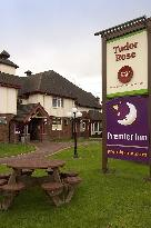 ‪Premier Inn Wirral - Two Mills‬