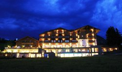 Hotel Emmy - Dolomites Family Resort