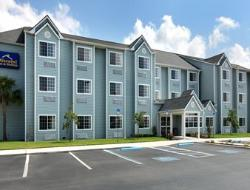 ‪Microtel Inn & Suites by Wyndham Zephyrhills‬
