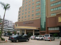 Royal Crown Grand Hotel