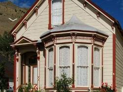 B Street House Bed and Breakfast