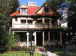 Larelle House Bed & Breakfast
