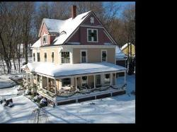 Sleigh Maker Inn Bed & Breakfast