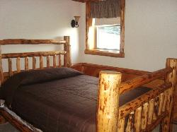 Sojourner's Lodge & Log Cabin Suites