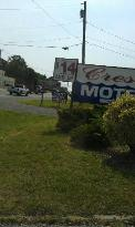 Crest Motel