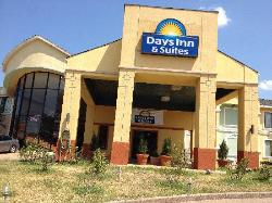 Days Inn and Suites Tyler