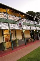 Rose &amp; Crown Hotel Swan Valley