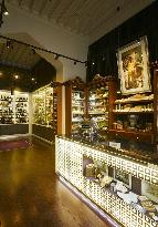 James Fox Cigar & Whiskey Store