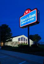 ‪AmericInn Lodge and Suites Cedar Falls‬