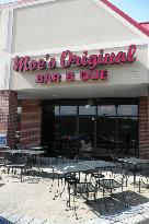 Moe's Original Bar B Que