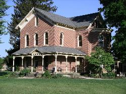 Brick House on Main Bed & Breakfast