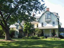 Lauretum Inn Bed and Breakfast