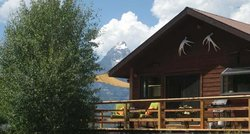 McReynolds Blacktail Cabins