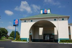 Motel 6 Dickson