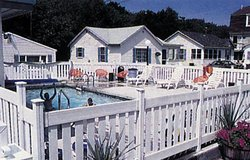 Crosswinds Motel & Cottages