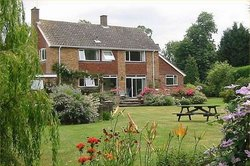 Fieldswood Bed and Breakfast Hadlow