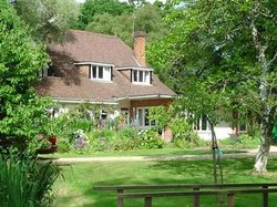 Kingswood Cottage Bed and Breakfast