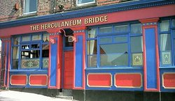 Herculaneum Bridge Hotel