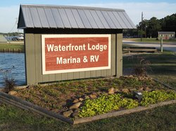 The Waterfront Lodge, Marina & RV Park