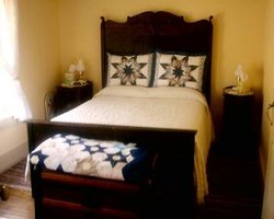 Devils Den Farm Homestay Bed and Breakfast