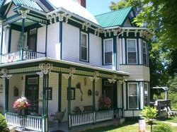 Hillsboro House Bed & Breakfast