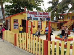 Paradise, Too Hotel