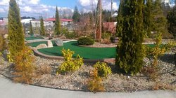 Hi-Knoll Driving Range & Mini-Golf
