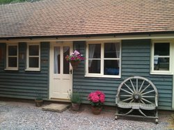 May's Cottages Bed & Breakfast