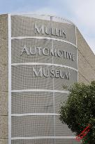 Mullin Automotive Museum