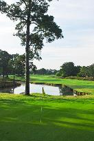 River Hills Golf & Country Club