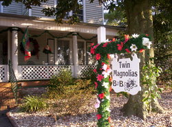 ‪Twin Magnolias Bed and Breakfast‬