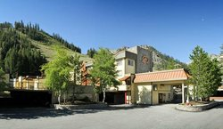 ‪Red Wolf Lodge at Squaw Valley‬