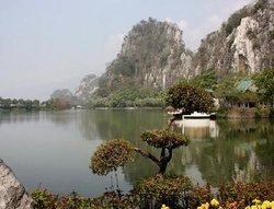 Xianzhang Rock of Zhaoqing