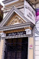 All Star Hotel