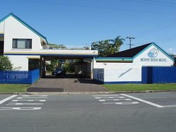 Moffat Beach Motel