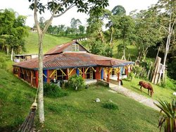 Yambolombia Natural Hostel