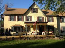 Pineapple Hill Bed and Breakfast Inn