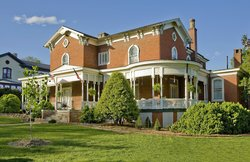 ‪The Carriage House Inn Bed and Breakfast‬
