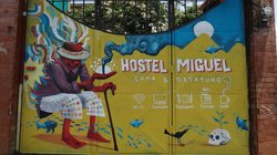 Hostel Miguel Bed and Breakfast