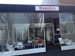 Ronnie's cafe