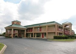 Econo Lodge & Suites Brooks