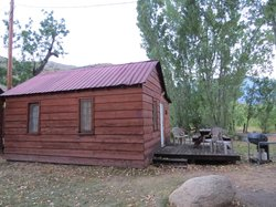 Kings Canyon Lodge