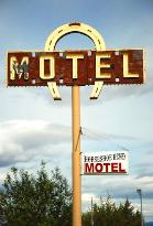 Horseshoe Bend Motel