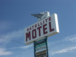 Satellite Motel