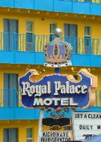 Royal Palace Motel