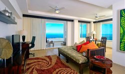 Grand Miramar All Luxury Suites & Residences