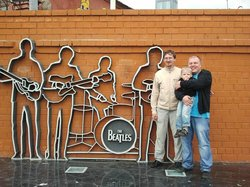 "Monument ""The Beatles"""