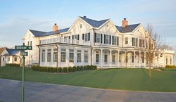 The Quogue Club