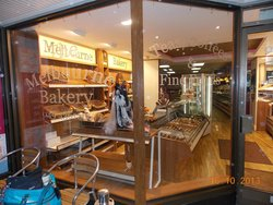 Melbourne's Bakery, Cafe and Snackery