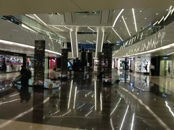 Al Hamra Luxury Centre